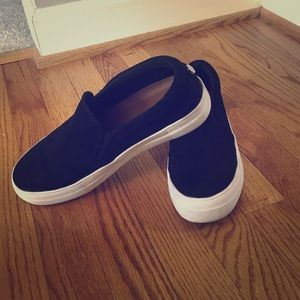 Like new black suede shoes